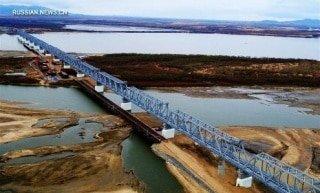 Задержка строительства моста из России в Китай скажется на горнодобывающей отрасли